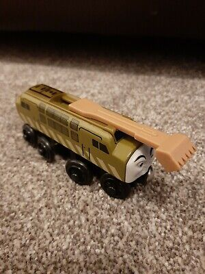 Thomas And Friends Wooden Railway Track -RARE Diesel 10 Character With Grab Claw • 18£