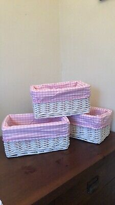 Small White Wicker,  Pink Checked Fabric Lined Storage Basket . • 6£
