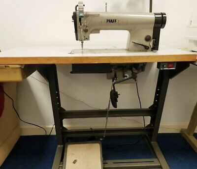 Industrial Sewing Machine  • 315£