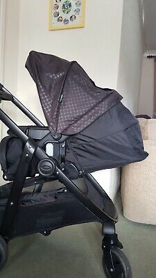 Graco Black Travel System Pushchair And Car Seat • 45£