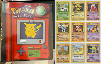 Pokemon Card - Part Complete Base Jungle Fossil Set + Pikachu Folder - 108 Cards • 29£