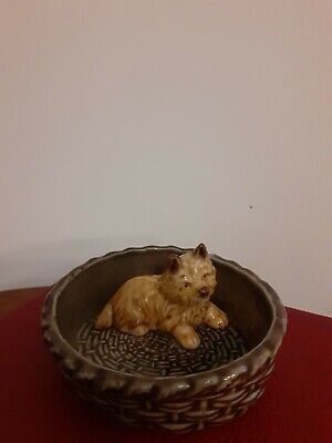 1 X Wade Whimtrays Whimsies Highland Terrier Puppy Dog In A  Basket • 1.80£