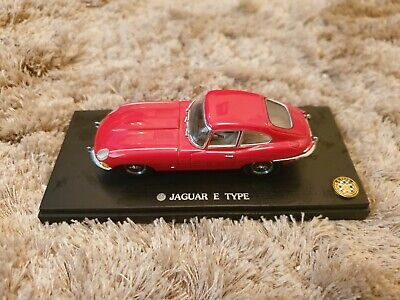 Kyosho 1:43 Jaguar E-Type Coupe- Red • 2.50£