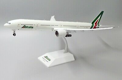 AU229.95 • Buy JC Wings 1:200 Alitalia Boeing B777-300(ER) 'Delivery - Flaps Down' EI-WLA