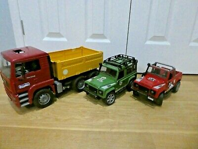Bruder Toy Bundle - Land Rover Defender And MAN MGA Construction Truck • 60£