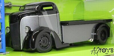 1947 Ford COE Black 1:24 Scale Diecast Model Toy Car Jada Just Trucks Ages 8+  • 39.99£