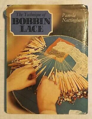 Lace Making Book • 2.99£