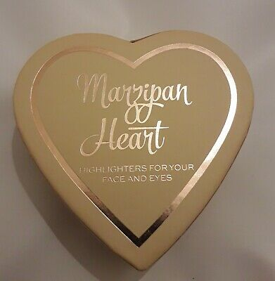 I Heart Revolution Marzipan Heart Baked Highlighters For Face And Eyes • 5.50£