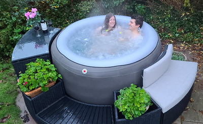 £700 • Buy Canadian Spa -grand Rapids - Aromotherapy - Hot Tub 4 / 5 Person  <<free P & P>>