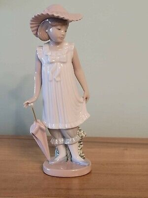 NAO Porcelain By Lladro - APRIL SHOWERS GIRL WITH UMBRELLA FIGURINE 1126 • 19.99£