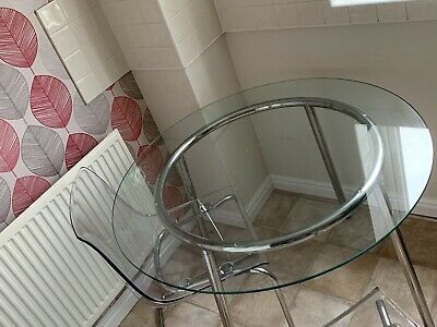 Glass Dining Table And Chairs • 25£