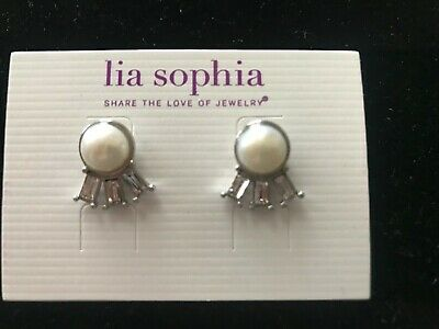 $ CDN6.31 • Buy Lia Sophia Earrings  NWT