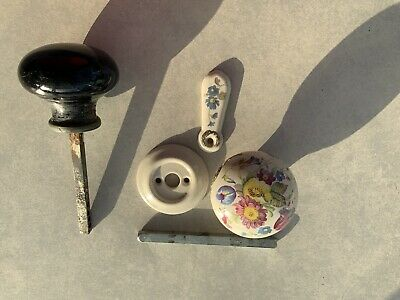 LARGE VINTAGE CHINA DOOR KNOBS/1xWHITE/FLORAL+BACKPLATE+ESCUTCHEON AND 1xBLACK • 10.99£