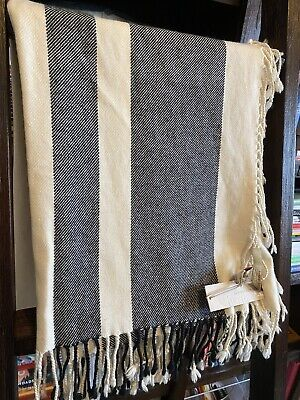 $95 • Buy Banana Republic Heritage Collection 100% Cashmere Scarf - $200