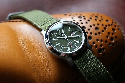 $ CDN276.57 • Buy Seiko 5 SNK805 Mod ~37mm ~Polished Stainless Steel Case ~Sapphire Crystal ~Green