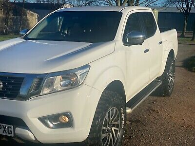 Nissan Navara Np300 Auto Leather.with 2 Inch Lift. NO VAT ONE OWNER • 13,995£