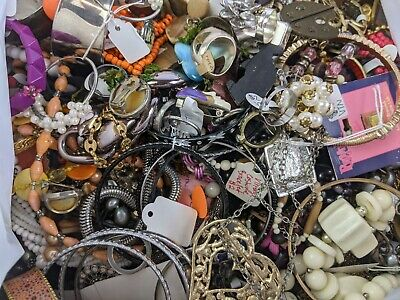 $ CDN34.65 • Buy Huge Mixed Jewelry Lot 11 Lbs Vintage + Modern Wearable / Parts/ Repair / Crafts