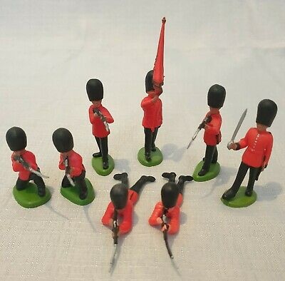 Britains Toy Soldiers Queen's Guard X8  • 2.75£
