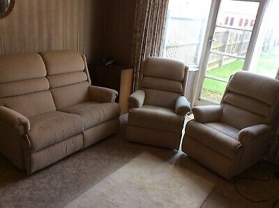 Sherbourne Upholstery 3 Piece Suite Incl 1 X Automatic Riser & 1 X Recliner • 290£