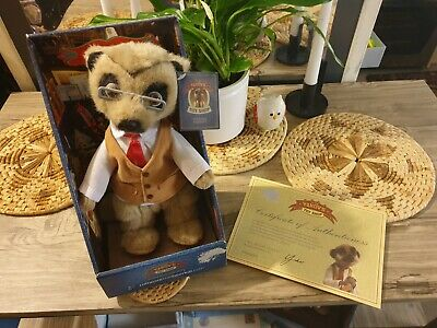 £7 • Buy Campare The Market Yakov Meerkat Collectible With Certifcate