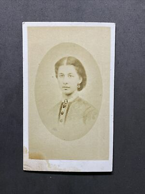 Victorian Carte De Visite CDV: Young Lady: Named Sarah Ladds? Died 1872: 1 Of 2 • 2.50£