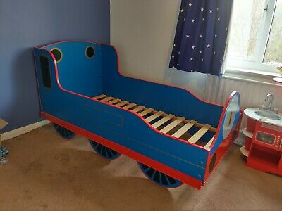 £70 • Buy Thomas Train BED And Matching TOY BOX Strong Sturdy Steam Train