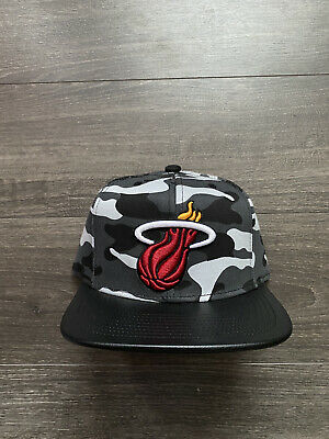 £15 • Buy Mitchell & Ness NBA Miami Heat Leather Visor And Urban Camouflage Snapback Hat