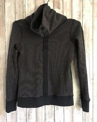 $ CDN48.51 • Buy Lululemon In A Cinch Black Grey Stripe Reversible Pullover Long Sleeve Top 2 4