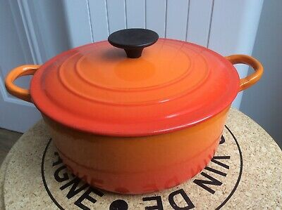 £35 • Buy LE CREUSET CAST IRON ROUND VOLCANIC ORANGE CASSEROLE DISH WITH LID 22cm