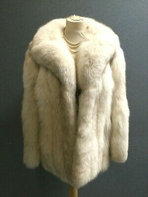 £275 • Buy Exceptional PLUSH And LUXURIOUS SILVER FOX Vintage FUR COAT SZ12