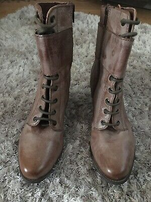 £5 • Buy Ladies Ankle Boots Size 6.  Red Herring