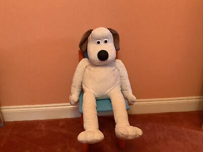 £200 • Buy Wallace And Gromit Teddy He Just Looks Like The One Of The DFS  Advert 🤗