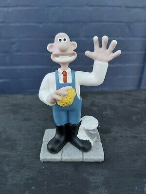 £0.99 • Buy Wallace And Gromit 1989 Collectable Ornament - Wallace Window Cleaning