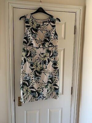 £5 • Buy Ladies Dress And Jacket Size 16