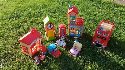 £34.90 • Buy Happyland Post Office/Bakers Shop/London Bus  Clock Tower With  7  Figures
