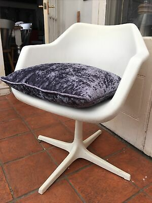 £125 • Buy Mid Century Hille By Robin Day Moulded Plastic Chair