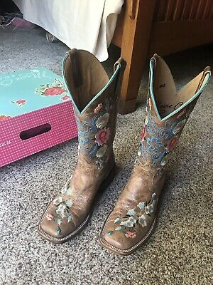 $194 • Buy Macie Bean Women's Rose Garden Cowgirl Boot - Square Toe Size 8.5