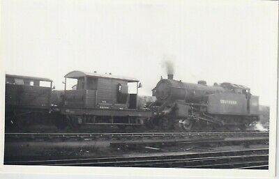 £1.10 • Buy Southern Railway Locomotive Number 493 At Feltham  Rp Photo