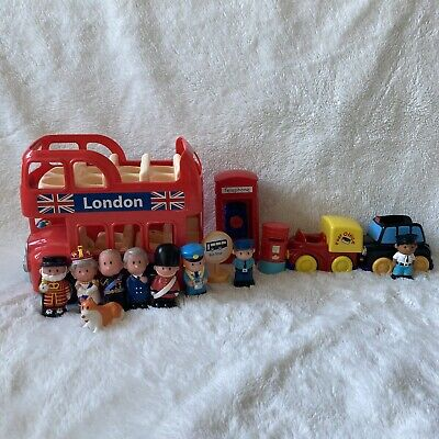 £29.99 • Buy Happyland Bundle Royal Family Queen Philip Beefeater Guard Taxi Post Bus