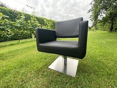 £55 • Buy Salon Hairdressing Chair Black Hydraulic Square Base