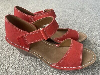 £25 • Buy New Clarks Artisan Red Leather Comfort Wedge Sandals Size 5 38 D