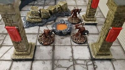 AU39 • Buy Dungeons And Dragons Terrain And Three Metal Miniatures, Painted Figures