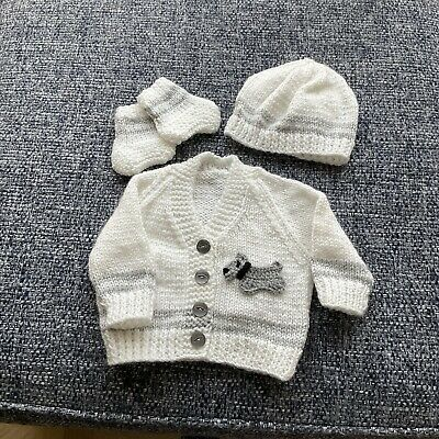 £6 • Buy Hand Knitted Baby Cardigan, Hat And Boots White/Grey Dog Detail NEWBORN