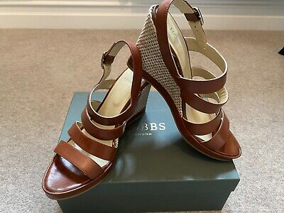 £40 • Buy Ladies Leather HOBBS Sandals Size 8 And Matching Jones Bag