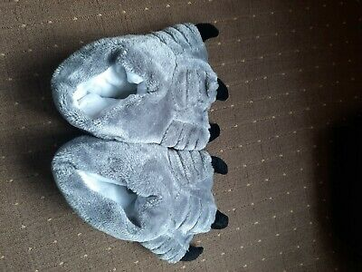 £6 • Buy Men's Monster Claw Big Feet Giant Furry Novelty Slippers Size 42/43