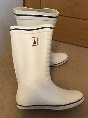 £55 • Buy MUSTO White Yacht Sailing Boots Classic Deck Boat Wellies Rain Boots Size 9 / 43