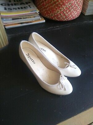 £50 • Buy Repetto White Court Shoes, Mid-heel.  Size 37, New Without Box.