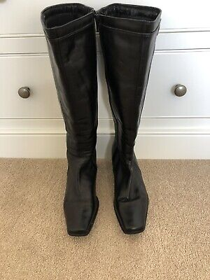 £18 • Buy Clarks Black Boots. Size 6