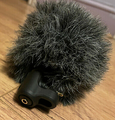 £50 • Buy A Rode VideoMic ME For IOS Smartphones With 3.5mm Jack With Fluffy Windshield