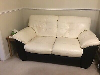 £300 • Buy Three Piece Suite With Electric Recliner Chairs